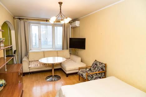 Сдается 1-комнатная квартира посуточно в Москве, просп. 60-летия Октября, 3К4.