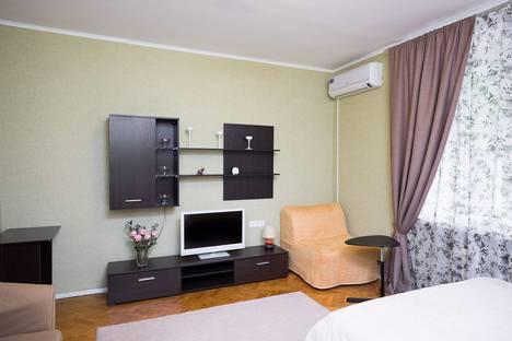 Сдается 1-комнатная квартира посуточно в Москве, Украинский бульвар, 6.
