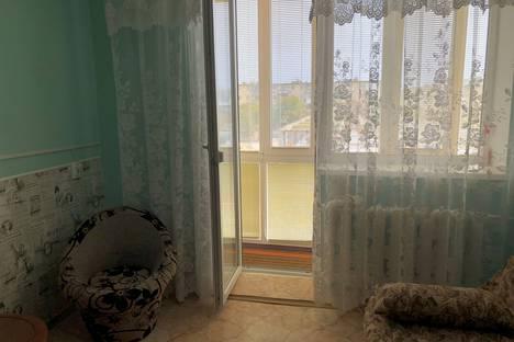 Сдается 2-комнатная квартира посуточно в Евпатории, улица Демышева.