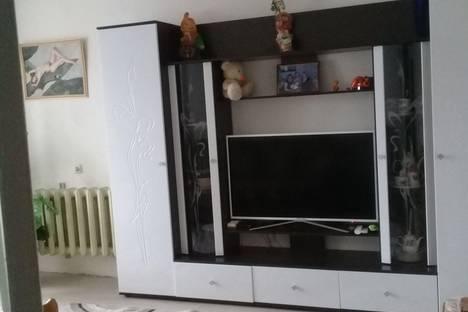 Сдается 1-комнатная квартира посуточно в Великом Устюге, улица Кирова, 64.
