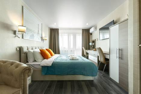 Сдается 1-комнатная квартира посуточно в Колпино, Пролетарская улица, 42.