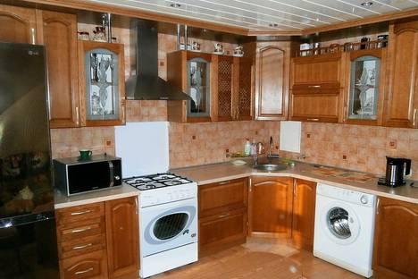 Сдается 3-комнатная квартира посуточно в Осиповичах, улица Сумченко, 83.