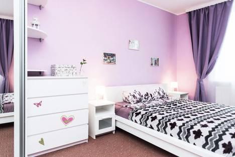 Сдается 2-комнатная квартира посуточно в Екатеринбурге, улица Московская, 77.
