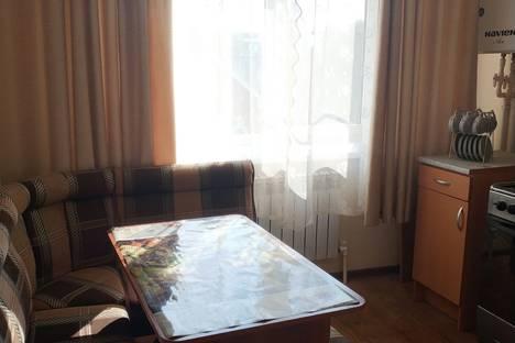 Сдается 1-комнатная квартира посуточно в Аксае, улица Чапаева 152/2.