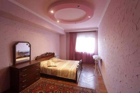 Сдается 2-комнатная квартира посуточно, Yerevan, Yeznik Koghbatsi Street, 3.