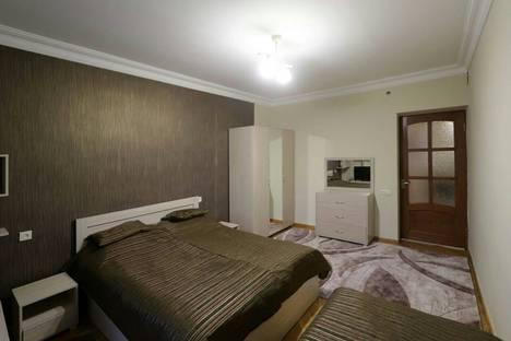 Сдается 3-комнатная квартира посуточно в Ереване, Yerevan, Mesrop Mashtoc pokhota, 9.