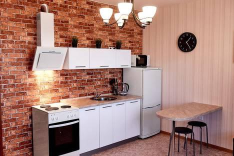 Сдается 1-комнатная квартира посуточно в Каменск-Уральском, улица Суворова, 20.