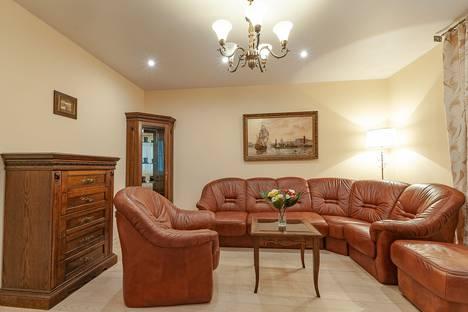 Сдается 2-комнатная квартира посуточно в Раменском, улица Высоковольтная, 20,подъезд 2..