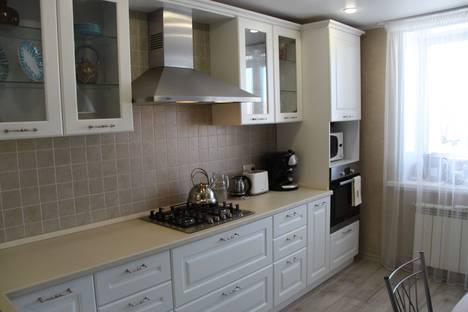 Сдается 2-комнатная квартира посуточно в Йошкар-Оле, улица Петрова, 23.