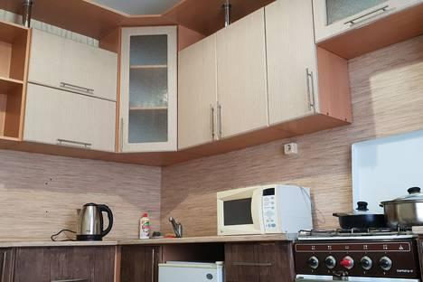 Сдается 3-комнатная квартира посуточно в Альметьевске, Альметьевск.