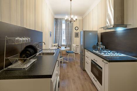 Сдается 2-комнатная квартира посуточно в Санкт-Петербурге, Лиговский проспект, 44.