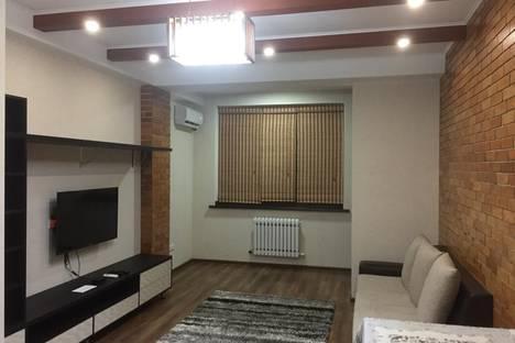 Сдается 2-комнатная квартира посуточно в Бишкеке, улица Абая, 40.