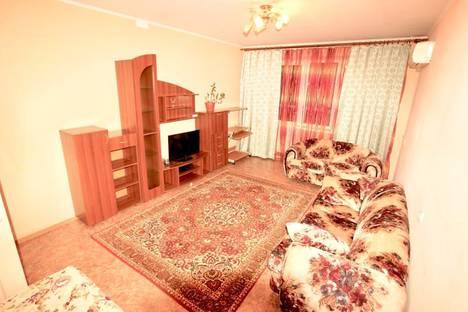 Сдается 2-комнатная квартира посуточно в Кемерове, проспект Шахтеров, 121.