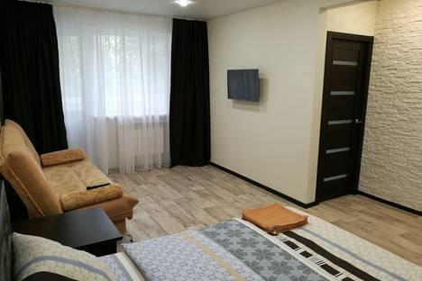 Сдается 1-комнатная квартира посуточно в Энгельсе, улица Полиграфическая.