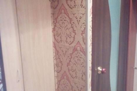 Сдается 2-комнатная квартира посуточно в Мурманске, улица Фролова, 5.