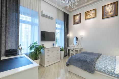 Сдается 3-комнатная квартира посуточно в Москве, Смоленский бульвар, 17с1.