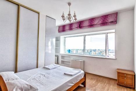 Сдается 3-комнатная квартира посуточно в Астане, улица Достык, 5.