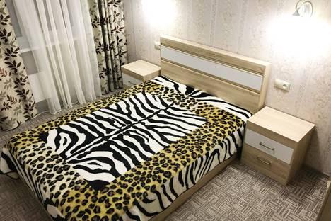 Сдается 2-комнатная квартира посуточно, Улица Александра Усольцева 30.