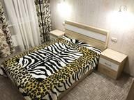Сдается посуточно 2-комнатная квартира в Сургуте. 50 м кв. Улица Александра Усольцева 30