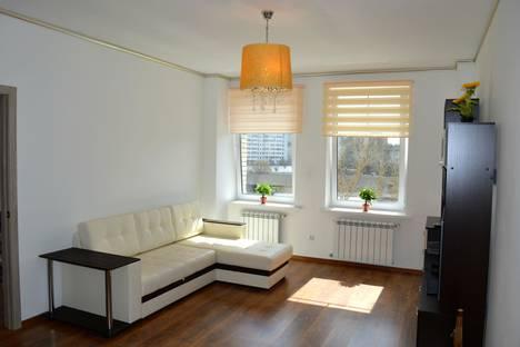 Сдается 2-комнатная квартира посуточно в Калуге, улица Маршала Жукова, 23а.