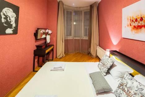 Сдается 2-комнатная квартира посуточно в Симферополе, улица Гоголя, 5.