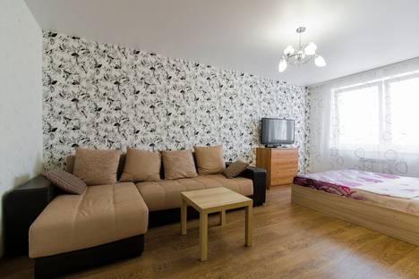 Сдается 1-комнатная квартира посуточно в Чебоксарах, Радужная улица, 11.