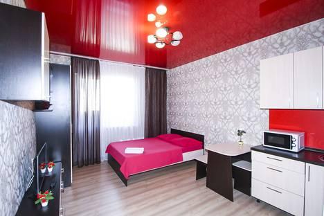 Сдается 1-комнатная квартира посуточно, Александра Усольцева 30.