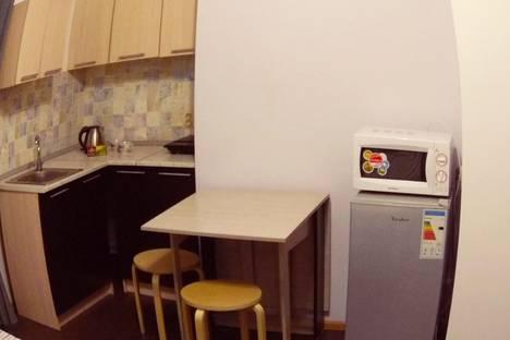 Сдается 1-комнатная квартира посуточно в Апрелевке, улица Дружбы, 15.