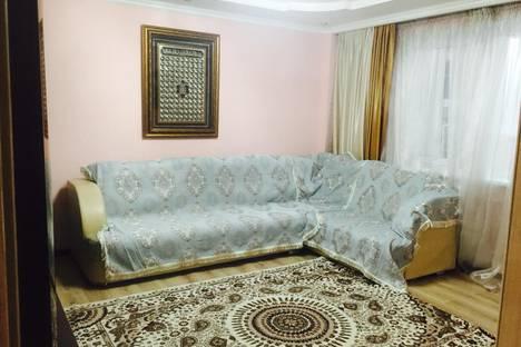 Сдается 3-комнатная квартира посуточно в Алматы, улица Бауыржана Момыш-Улы, 14.