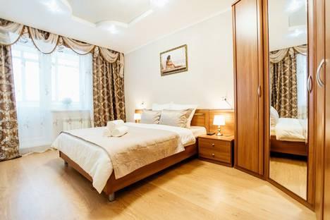 Сдается 2-комнатная квартира посуточно, переулок Хрустальный, 27.