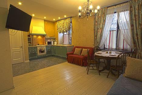 Сдается 1-комнатная квартира посуточно в Смоленске, улица Октябрьской Революции, 4.