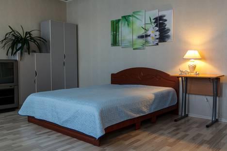 Сдается 1-комнатная квартира посуточно в Коряжме, Архангельской обл., Театральная , д.13.