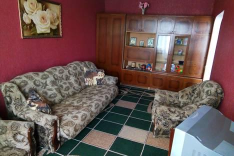 Сдается 2-комнатная квартира посуточно в Миргороде, ул. П.Мирного, 10.