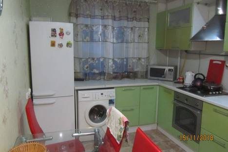 Сдается 4-комнатная квартира посуточно в Великом Устюге, улица Кирова, 54.