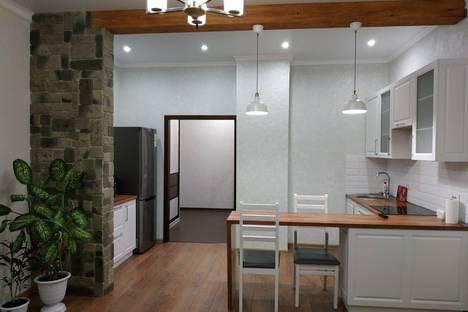 Сдается 1-комнатная квартира посуточно в Горно-Алтайске, ул. Проточная 10/1 к3.