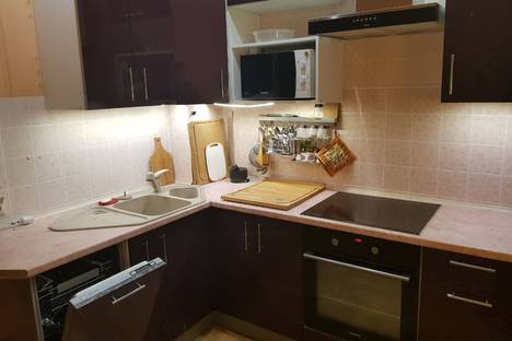Сдается 2-комнатная квартира посуточно в Жуковском, Нижегородская улица, 37.
