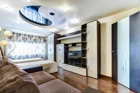 Сдается 2-комнатная квартира посуточно, улица Коллонтай, 6к2.
