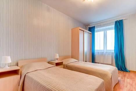 Сдается 2-комнатная квартира посуточно в Санкт-Петербурге, Российский пр-кт, 8.