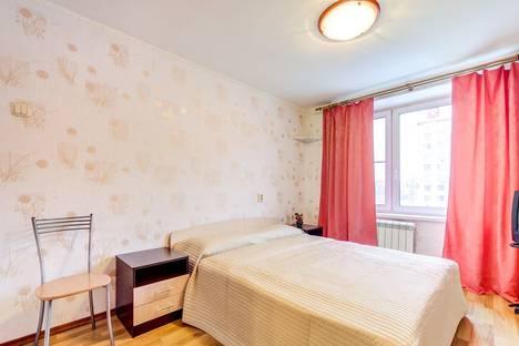 Сдается 2-комнатная квартира посуточно, Московский проспект, 220.