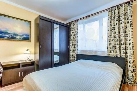 Сдается 2-комнатная квартира посуточно, Искровский проспект, 1.