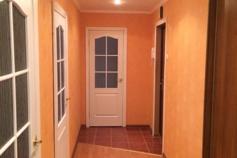 Сдается 3-комнатная квартира посуточно в Новополоцке, улица Якуба Коласа 22.