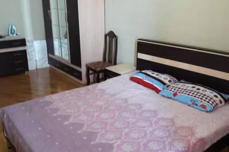 Сдается 2-комнатная квартира посуточно в Баку, Baku, Pr. Ataturka.