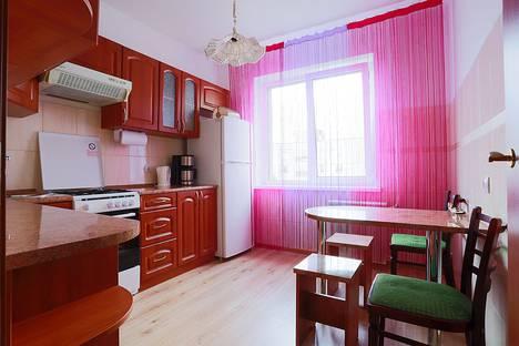 Сдается 2-комнатная квартира посуточно в Калининграде, улица Зеленая, 70.