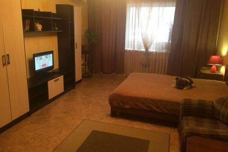 Сдается 1-комнатная квартира посуточно в Самаре, улица Дыбенко, 120а.