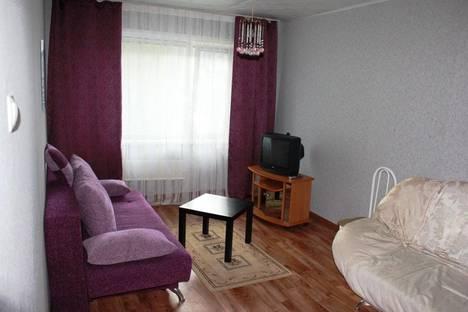 Сдается 2-комнатная квартира посуточно в Саяногорске, Интернациональный мкрн, дом 11.
