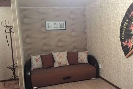 Сдается 1-комнатная квартира посуточно в Нижнем Тагиле, ул. Октябрьской Революции, 17.
