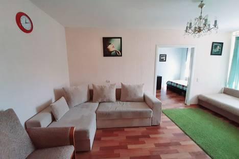 Сдается 2-комнатная квартира посуточно, бульвар Алексея Толстого 16.