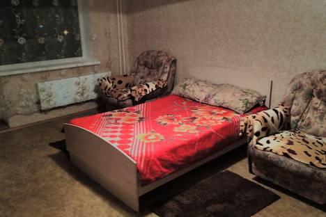 Сдается 1-комнатная квартира посуточно в Саратове, улица Тархова, 27.