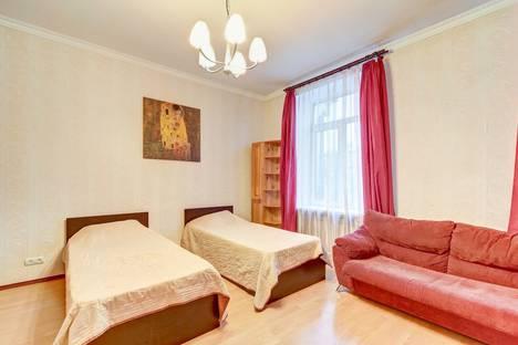 Сдается 2-комнатная квартира посуточно в Санкт-Петербурге, Авиационная улица, 13.