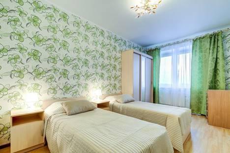 Сдается 2-комнатная квартира посуточно в Санкт-Петербурге, Российский проспект, 8.